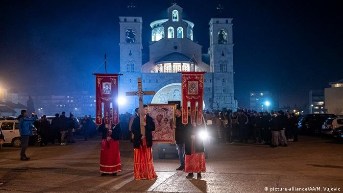 Već skoro tri meseca, u Podgorici i u drugim gradovima, protiv novog zakona demonstriraju hiljade ljudi