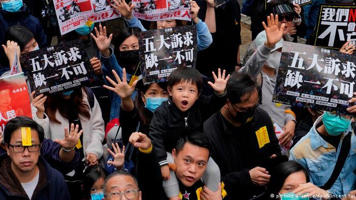 Hongkong Neues Jahr beginnt mit Protesten (picture-alliance/dpa/Vincent Yu)