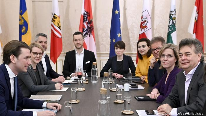 Political leaders from the ÖVP and Greens negotiate in Austria