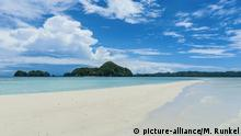 Sandstreifen bei Ebbe, Chelbacheb-Inseln, Palau, Ozeanien