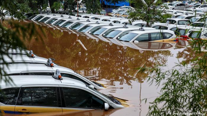 Затоплені таксі в Джакарті