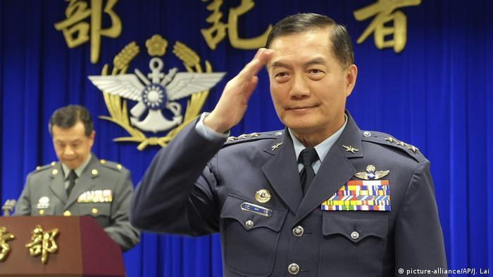 Taiwan - Verteidigungsminister Shen Yi-ming (picture-alliance/AP/J. Lai)