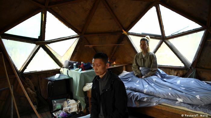 China Aussteiger BG l AnotherCommunity - Neues Zuhause im Dorf Guanzhong - Yang Zhaoyu and Chen Yan (Reuters/T. Wang )
