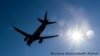 Οι νομικοί υποστηρίζουν ότι την ευθύνη φέρουν οι αεροπορικές εταιρείες