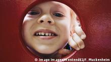 Kind mit Milchzähnen