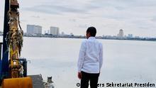 Indonesien   Joko Widodo besucht das Pluit Wasserreservoir im Norden von Jakarta