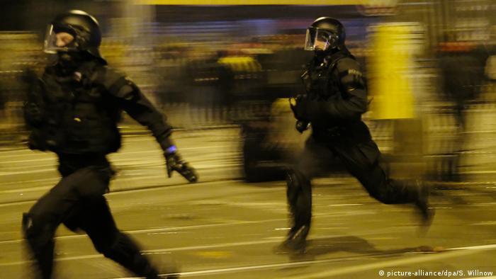 Germany: Police officers injured in protests against ban on leftist website