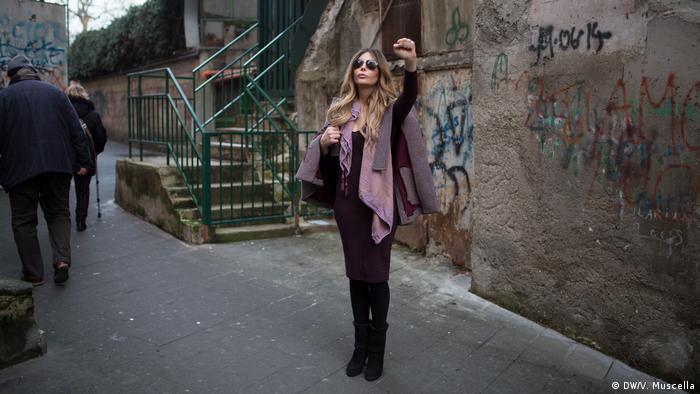 BG Transfrau-Aktivistin in Neapel (DW/V. Mucella)