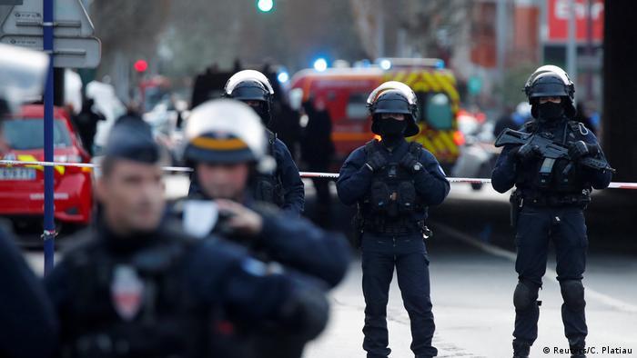 Frankreich Mindestens ein Todesopfer bei Messerangriff in der Nähe von Paris