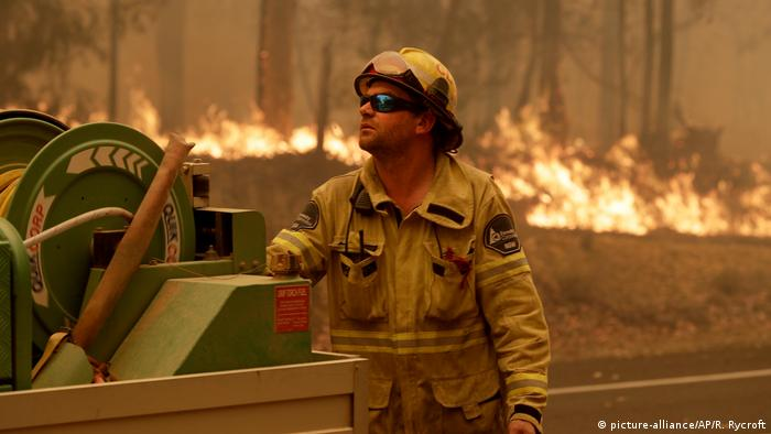 Buschbrände in Australien (picture-alliance/AP/R. Rycroft)