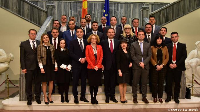 Nord-Mazedonien neue Regierung (DW/Petr Stojanovski)
