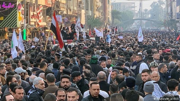Irak Bagdad Trauermarsch für Kassem Soleimani und Abu Mahdi al-Muhandis (Reuters/W. al-Okili)