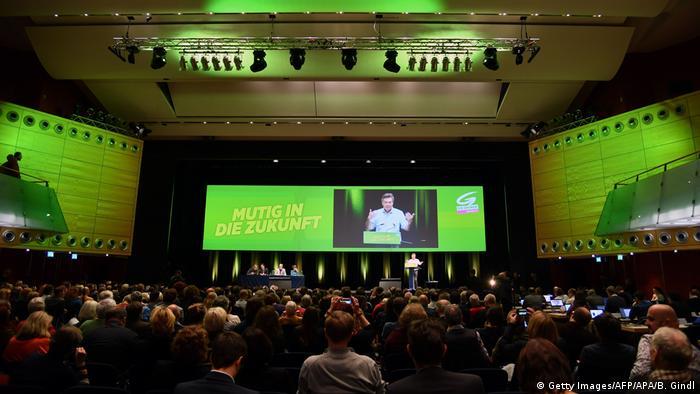 Österreich Salzburg   Parteitag Die Grünen   Bildung Koalition mit ÖVP   Werner Kogler