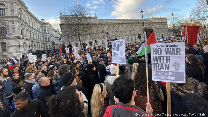 Großbritannien London | Protest gegen US-Krieg mit dem Iran (picture-alliance/Anadolu Agency/I. Tayfun Salci)