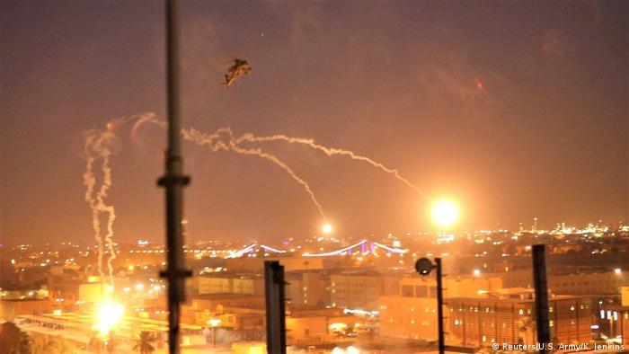 Irak Bagdad Leuchtmunition über US-Botschaft