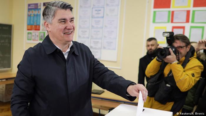 Зоран Миланович на избирательном участке
