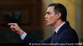 Spanien Madrid Pedro Sanchez bei Debatte im Parlament