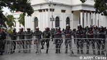 Venezuela Polizei vor den Parlament