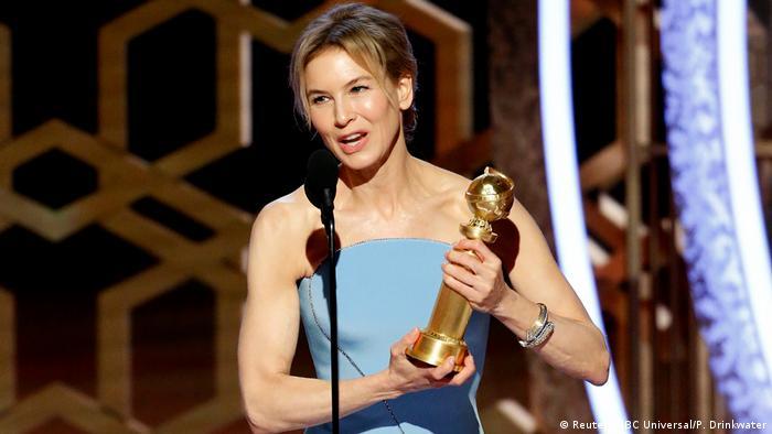 رنی زلوگر، بازیگر فیلم جودی نیز جایزه بهترین بازیگر نقش اول زن را به دست آورد. این نخستین بار نیست که زلوگر موفق به کسب گلدن گلوب شده است. زلوگر در فیلم جودی نقش جودی گارلند، بازیگر و خواننده معروف آمریکایی را ایفا کرده است.