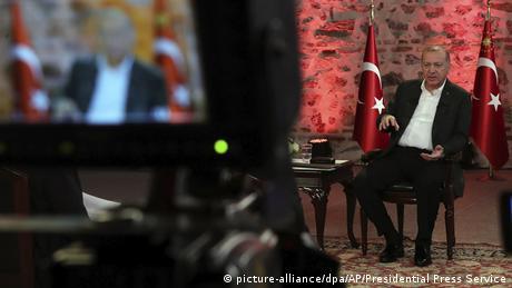 Η Τουρκία αποστέλλει στρατό στη Λιβύη