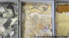 Deutsche Geschichte | Berlin 2012 | Papierschnipsel Stasi-Akten