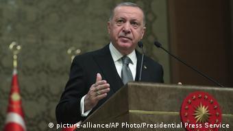 Ο Τούρκος πρόεδρος ανακοινώνει την αποστολή τούρκων στρατιωτών στη Λιβύη