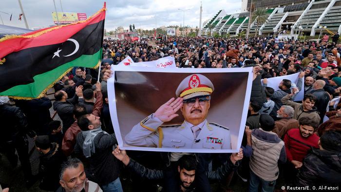 تظاهرات هواداران ژنرال حفتر علیه اعزام نیروهای نظامی ترکیه به لیبی