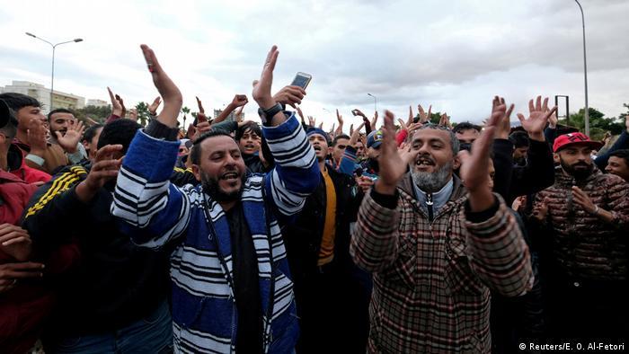 Libyen Tripolis Demonstration gegen die türkische Parlamentsentscheidung Truppen nach Libyen zu senden