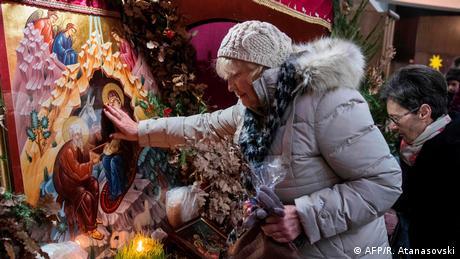 Nord-Mazedonien Feier zum orthodoxen Weihnachten in Skopje (AFP/R. Atanasovski)