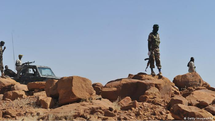 Soldiers on patrol near Agadez (Getty Images/AFP)
