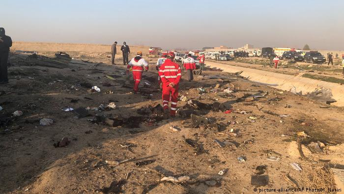 На місці катастрофи літака МАУ, що розбився поблизу Тегерана