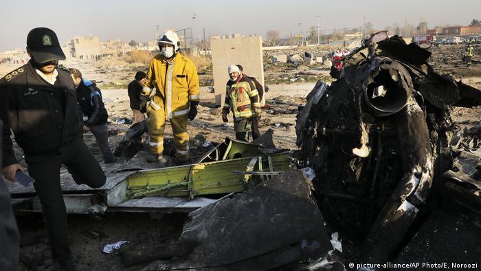 На місці падіння літака авіакомпанії Міжнародні авіалінії України, який розбився поблизу Тегерана