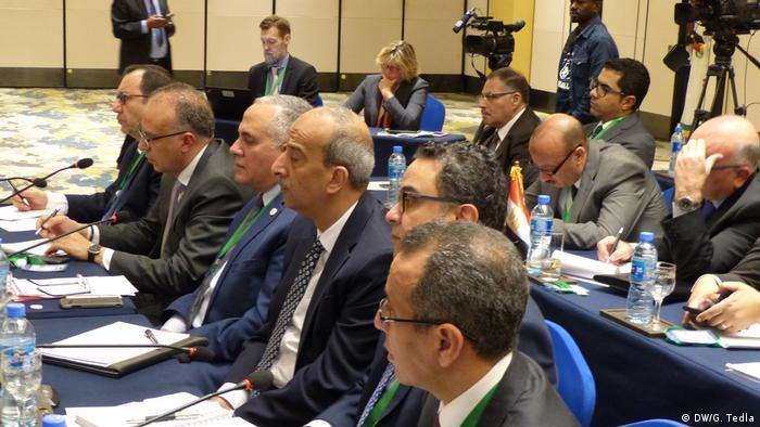 جانب من الوفد المصري الذي شارك في مفاوضات سابقة حول سد النهضة في العاصمة الإثيوبية أديس أبابا