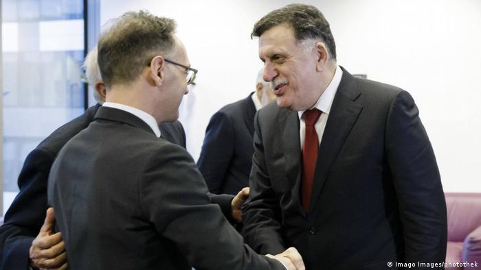Brüssel Heiko Maas, Außenminister Deutschland & Fayiz as-Sarradsch, Premierminister Libyen (Imago Images/photothek)