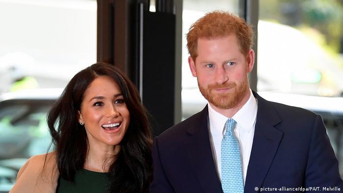 Принц Хари и съпругата му Меган Маркъл