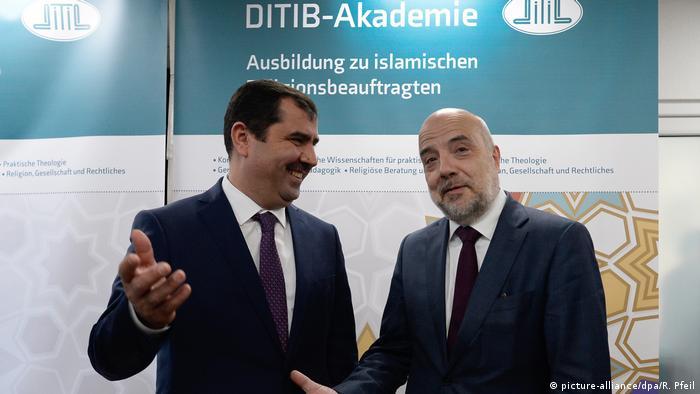 DİTİB Genel Başkanı Kazım Türkmen (solda) ile Federal İçişleri Bakanlığı Müsteşarı Markus Kerber