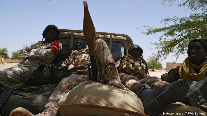 Symbolbilder Niger Armee (Getty Images/AFP/I. Sanogo)