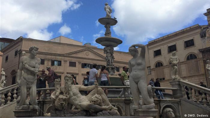 Italien Palermo   Fontana Pretoria Palermo