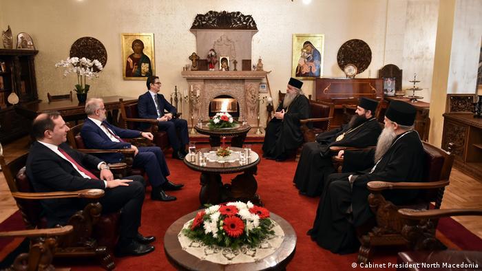 Nord-Mazedonien Skopje Staatsführung beim Weihnachtsessen mit Kirchenoberhaupt