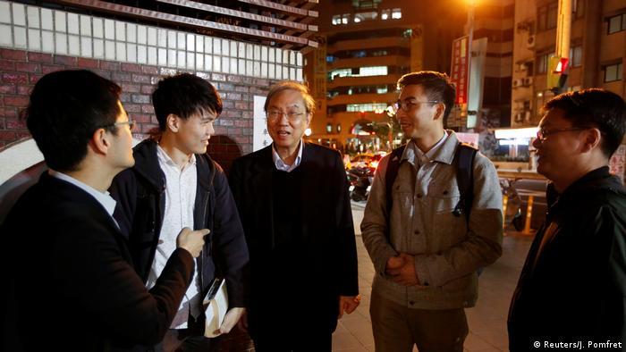 Taiwan Taipeh Hongkong-Demokratie-Aktivist Joseph Cheng bei Kuomintang-Wahlveranstaltung (Reuters/J. Pomfret)