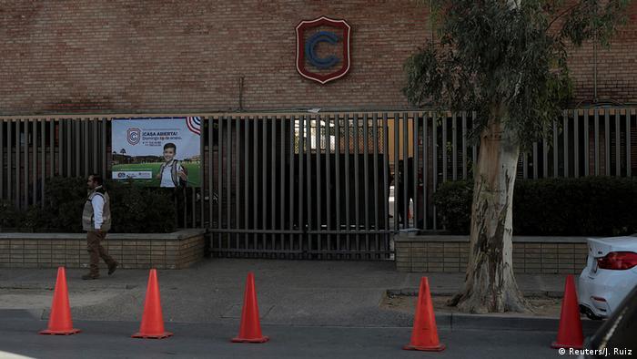 Mexiko Torreon| Fassade vor einer Privatschule nach Schießerei (Reuters/J. Ruiz)