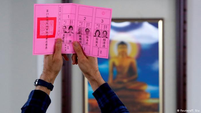 Taiwan Präsidentschaftswahl 2020   Stimmabgabe in Taipeh