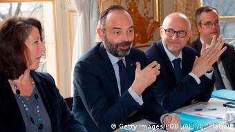 Στο κέντρο ο γάλλος πρωθυπουργός Εντουάρ Φιλίπ