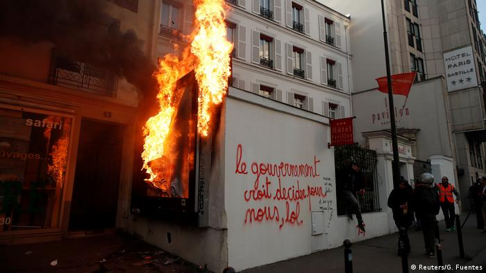French protests against pension reforms (Reuters/G. Fuentes)