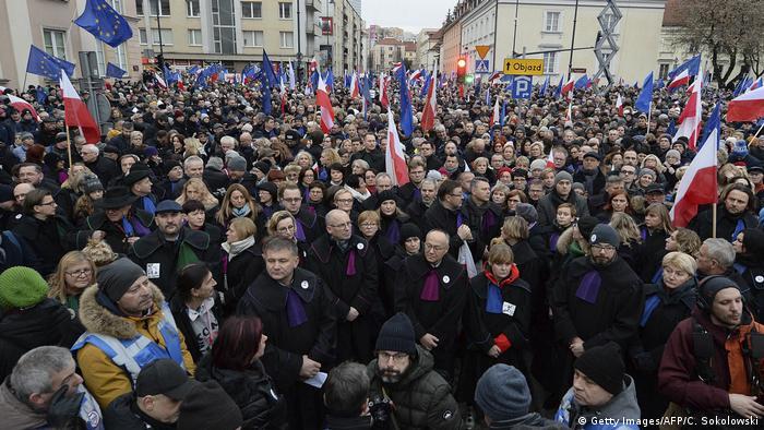 Marsz tysiąca tóg w Warszawie - solidarność z sędziami