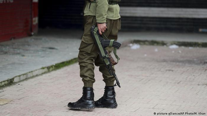 Kaschmir | Polizei | Sicherheitskräfte (picture-alliance/AP Photo/M. Khan)