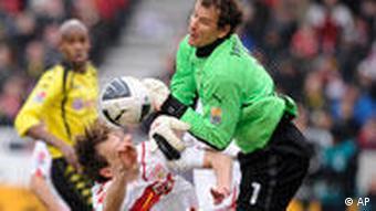 Spielszene mit Jens Lehmann (Foto: AP)