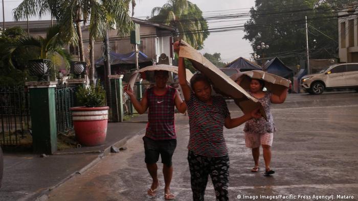 Philippinen Vulkanausbruch bei Manila (Imago Images/Pacific Press Agency/J. Mataro )