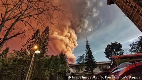 Philippinen   Ausbruch Vulkan Taal (Imago Images/Pacific Press Agency/K. Ragaza)