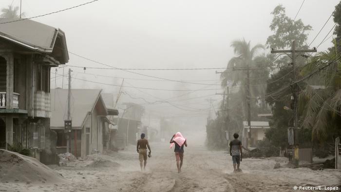 Phillippinen Aschefall nach dem Ausbruch des Taal-Vulkans